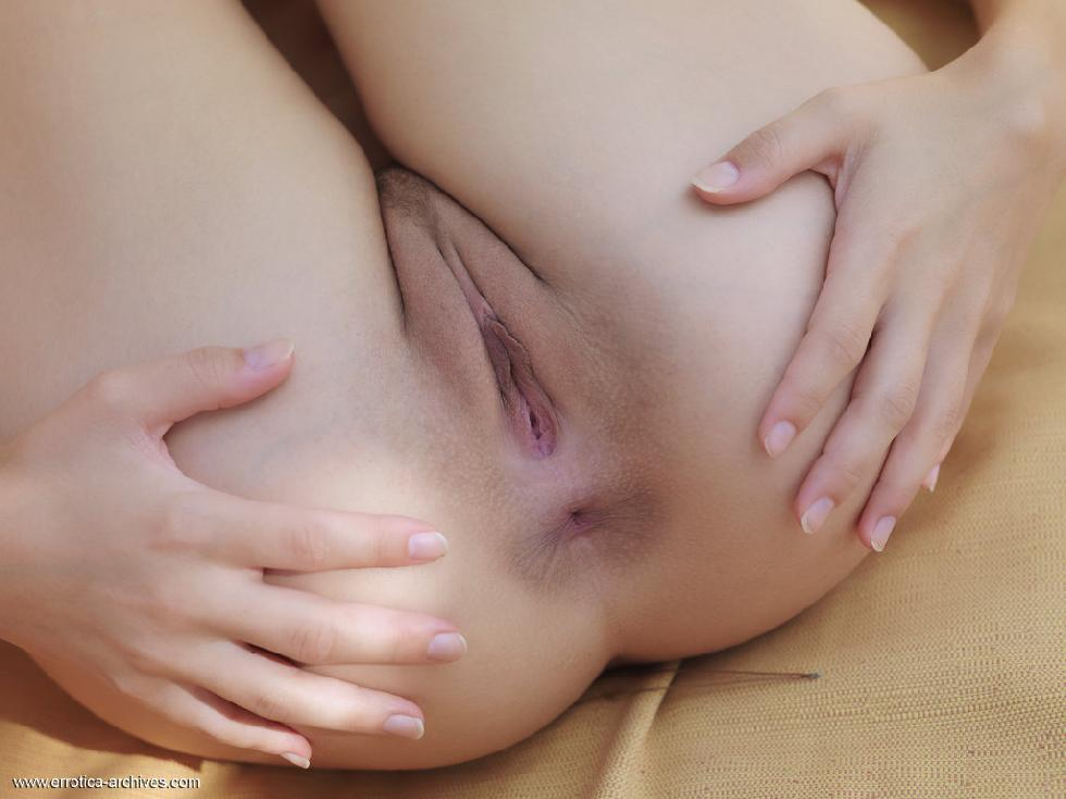 Fantastic Eufrat is tempting by her nudity - 12