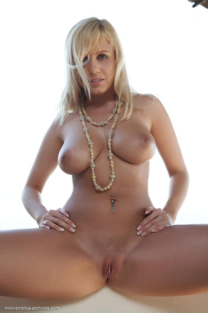 Busty blonde with pierced belly - Keira - 6
