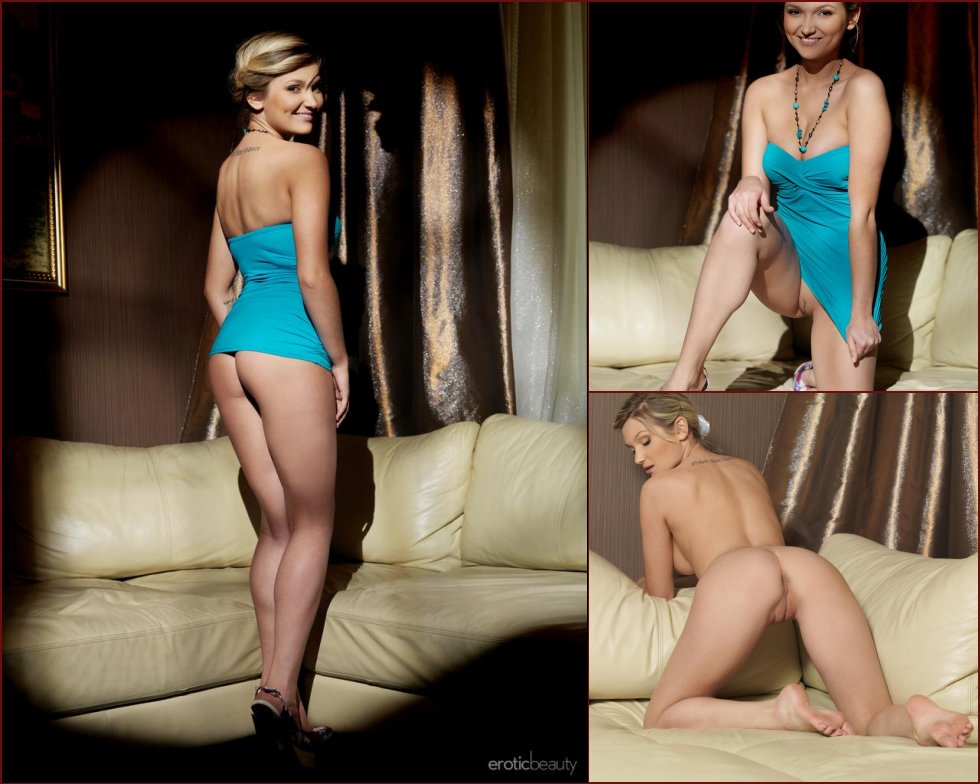 Smiling blonde with body - Elisa - 36