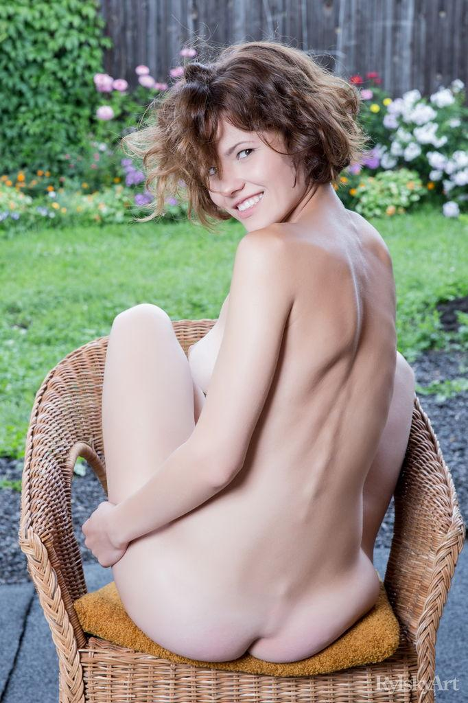 Naked Walda shows her fantastic ass - 14