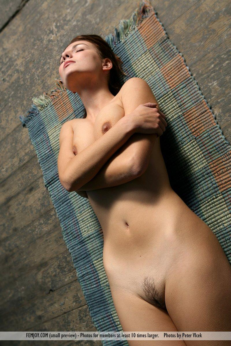 Wonderful naked girl on the red chair - Laura - 5