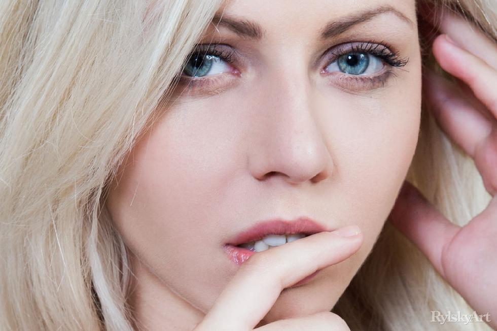 Blue-eyed blonde is spreading long legs - Lija - 1