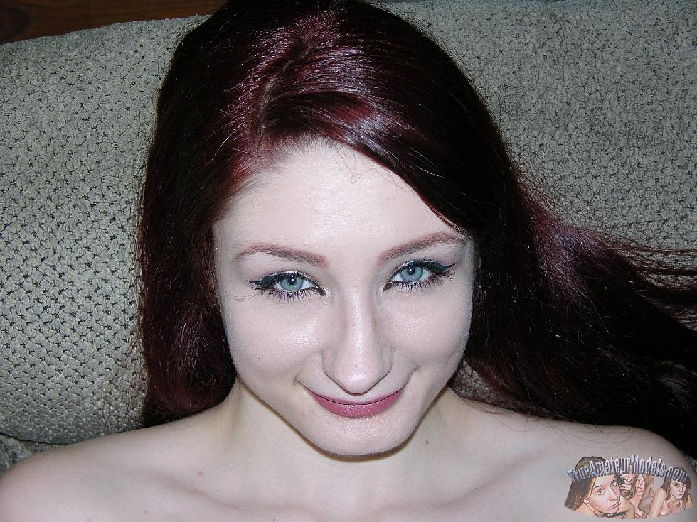 Pretty redhead is showing her ass - Violet - 7