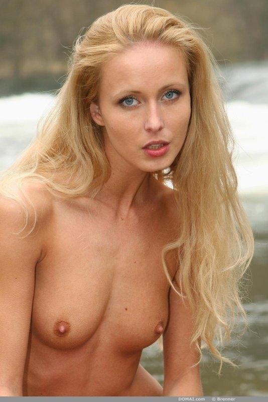 Naked Lenka shows slim body - 13