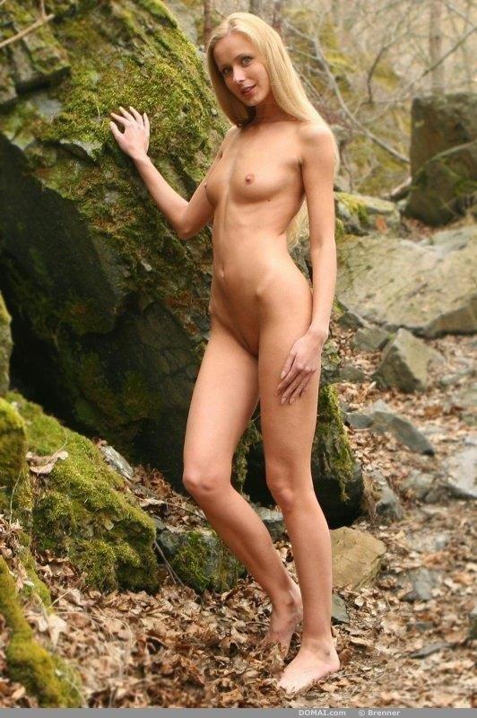 Naked Lenka shows slim body - 2