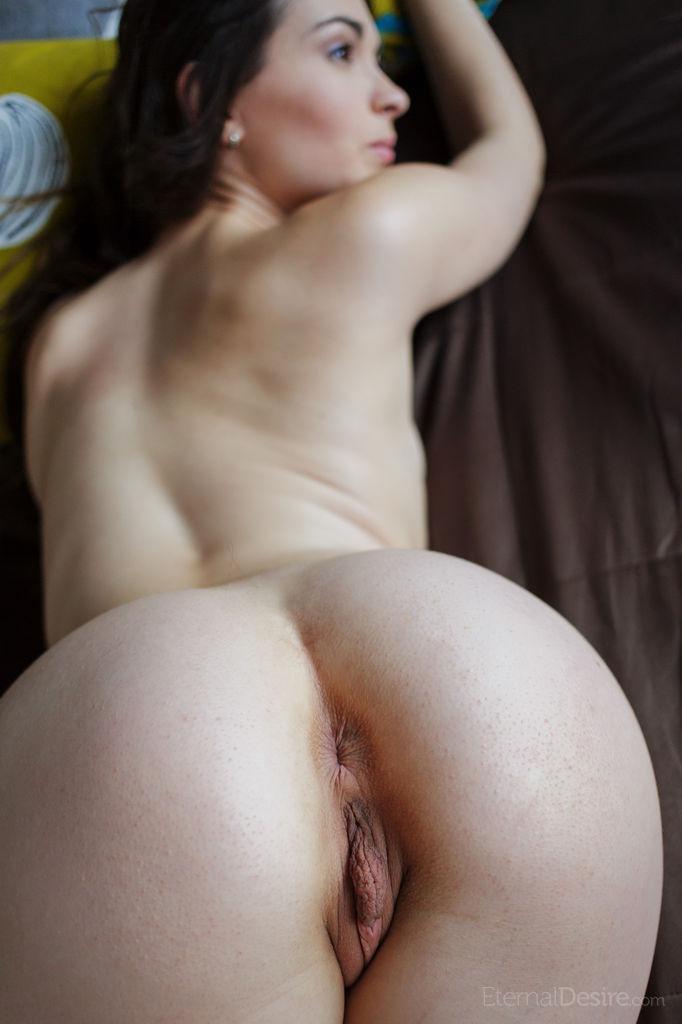 Lukki Lima is showing her tasty, meaty pussy - 10