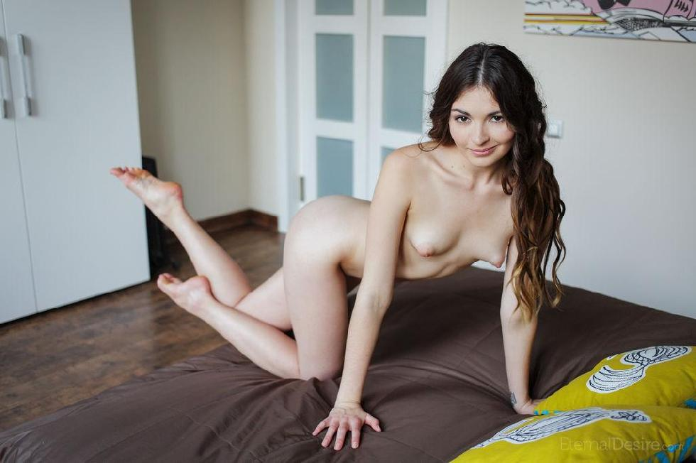 Lukki Lima is showing her tasty, meaty pussy - 8