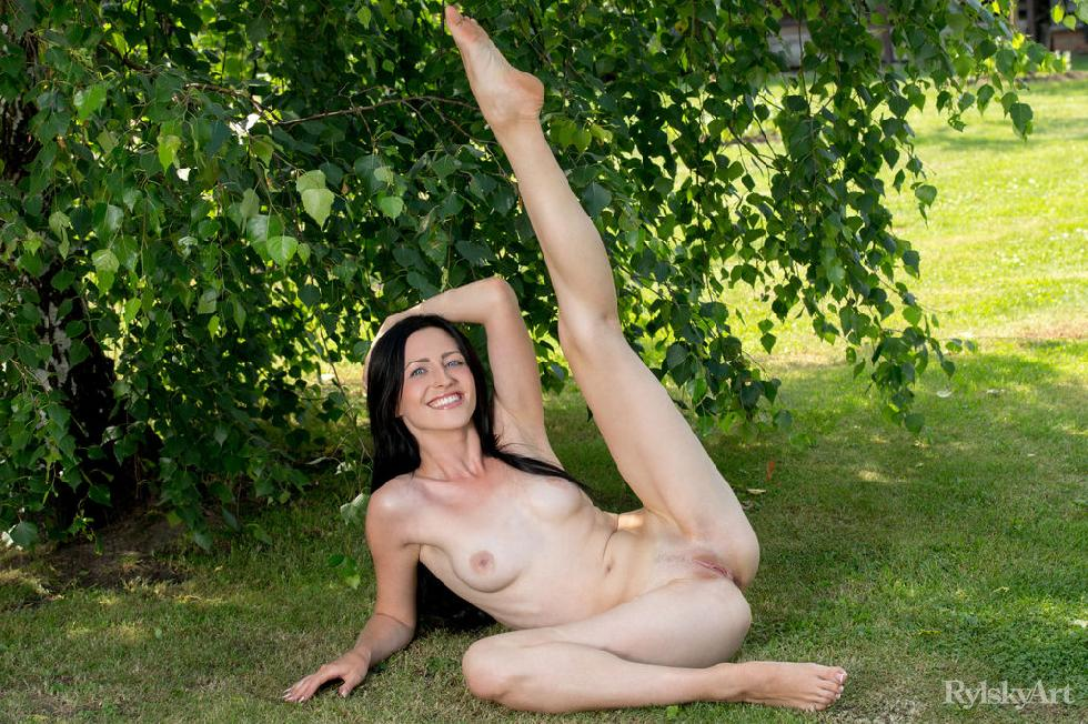 Naked Janelle is posing outdoor - 11
