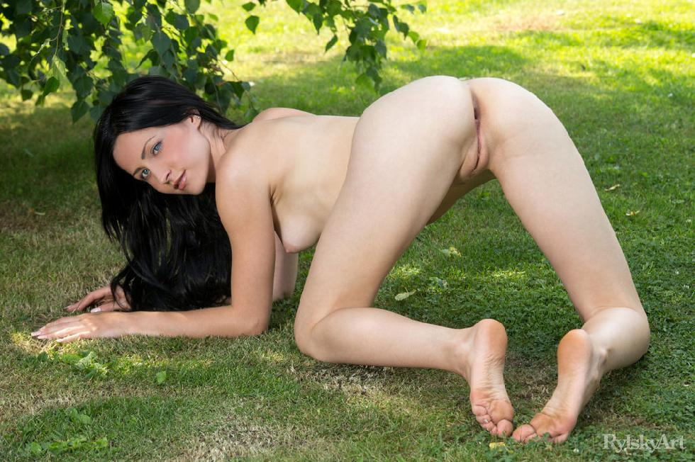 Naked Janelle is posing outdoor - 14