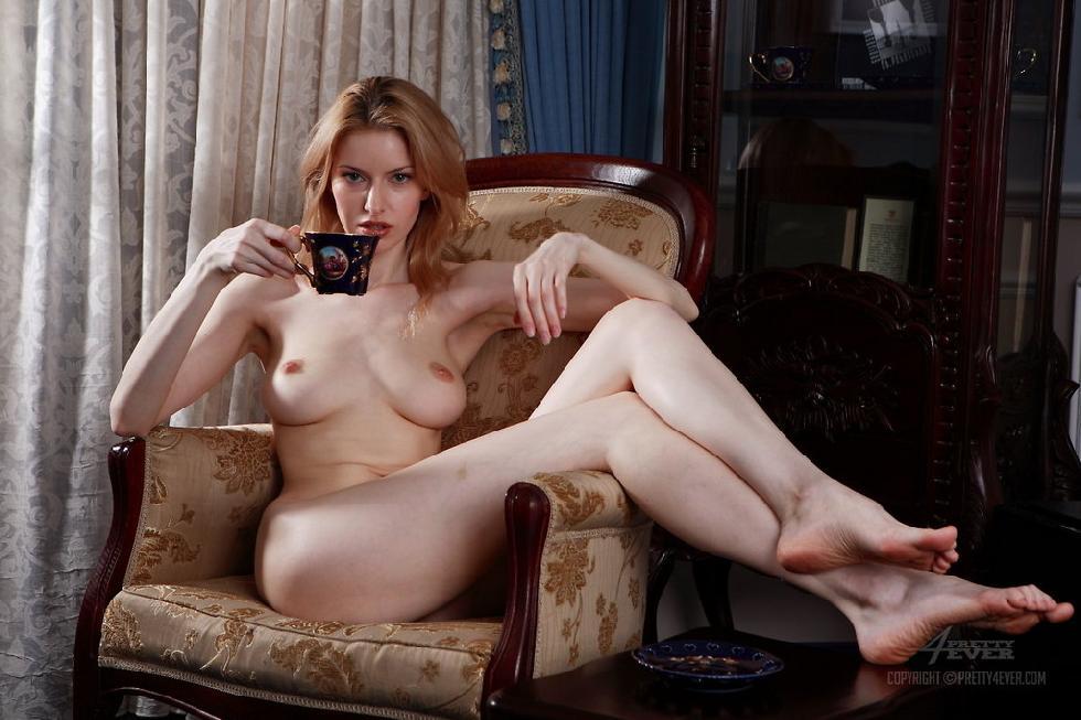 sensual_woman_with_beautiful_boobs_-_izo