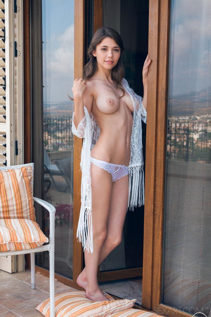 Stunning Mila Azul is showing hot body
